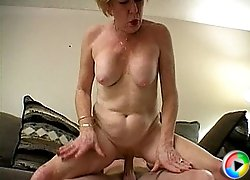 Lusty granny gets pussy licked