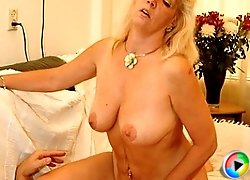 Kinky mature Annemieke loves her mouth get filled